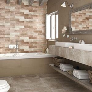 Baño con paredes de falso ladrillo