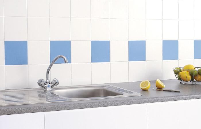 5 ideas para pintar los azulejos del ba o y la cocina - Pintar azulejos cocina ...