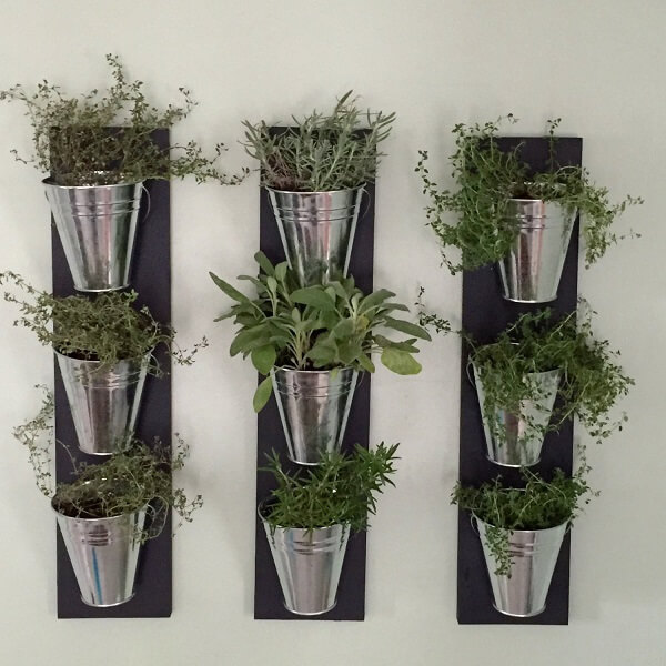 Jardin de hierbas con reciclaje