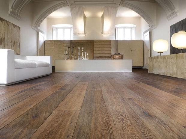 las casas que tienen el suelo de madera a simple vista dan sensacin de acogedoras pero cuando pasa el tiempo y la madera del suelo se hace vieja